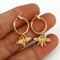 1 Pair Small Bee Pendant Earrings - Gold