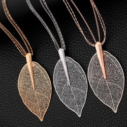 Shiny leave pendant necklace for women