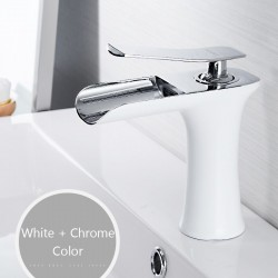Basin faucet with single handle - brass